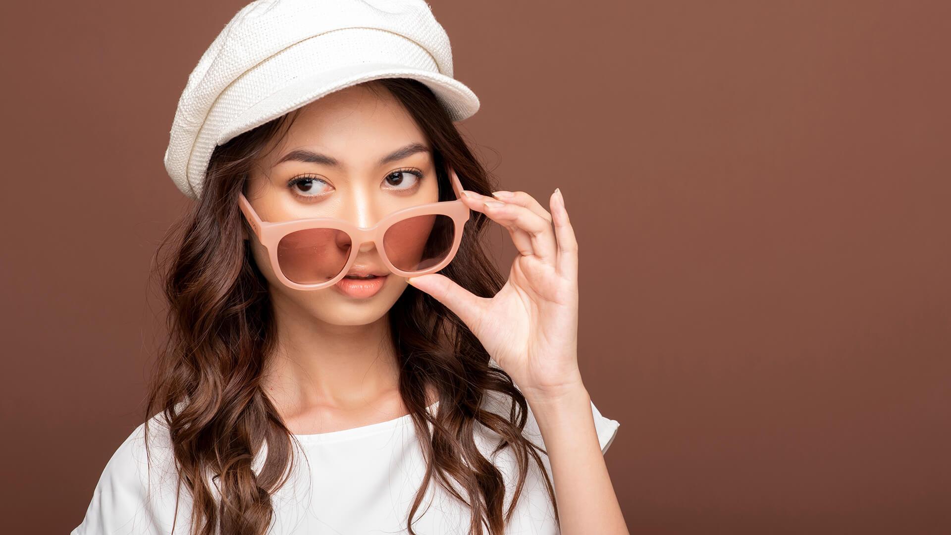 デジタルマーケティング/インフルエンサーが手掛けるファッションブランドのカバー写真