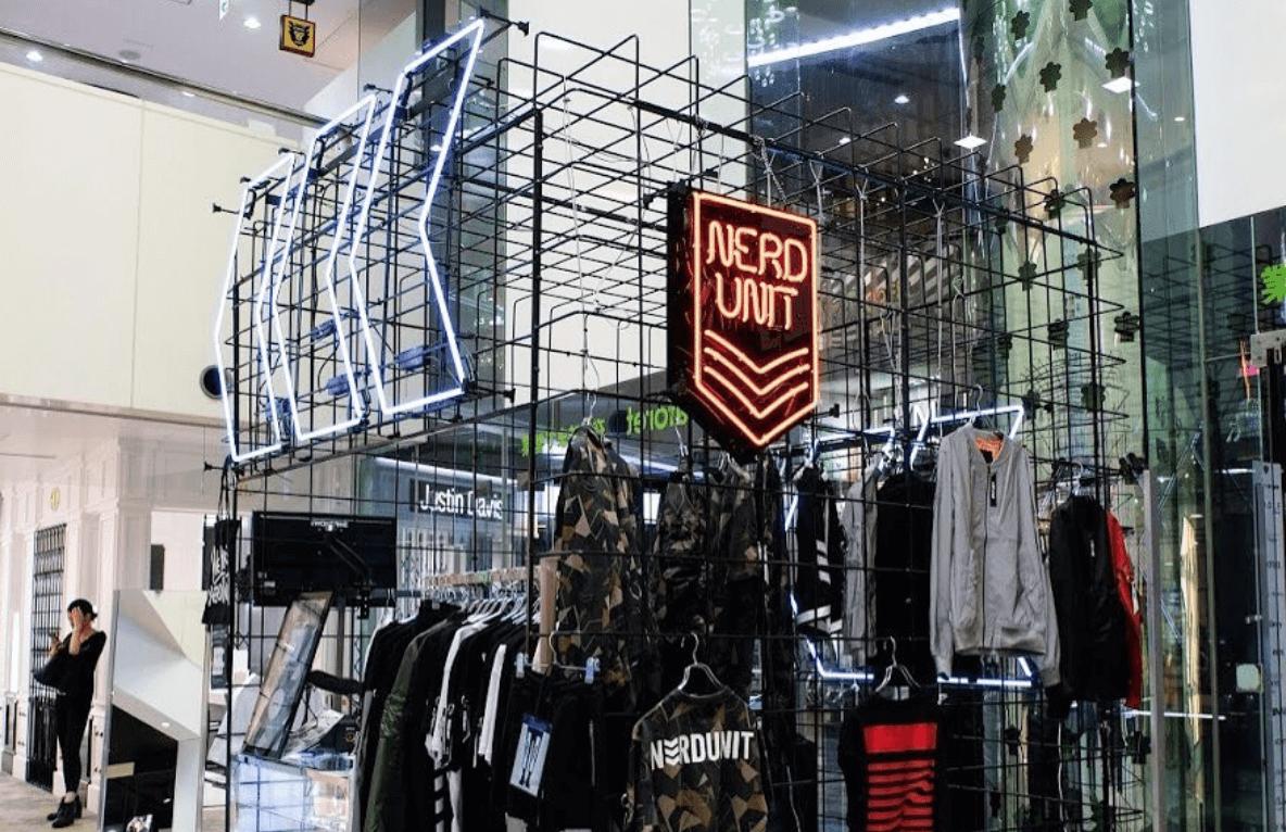 《短期/販売スタッフ》人気ストリートブランドのショップスタッフを募集のカバー写真