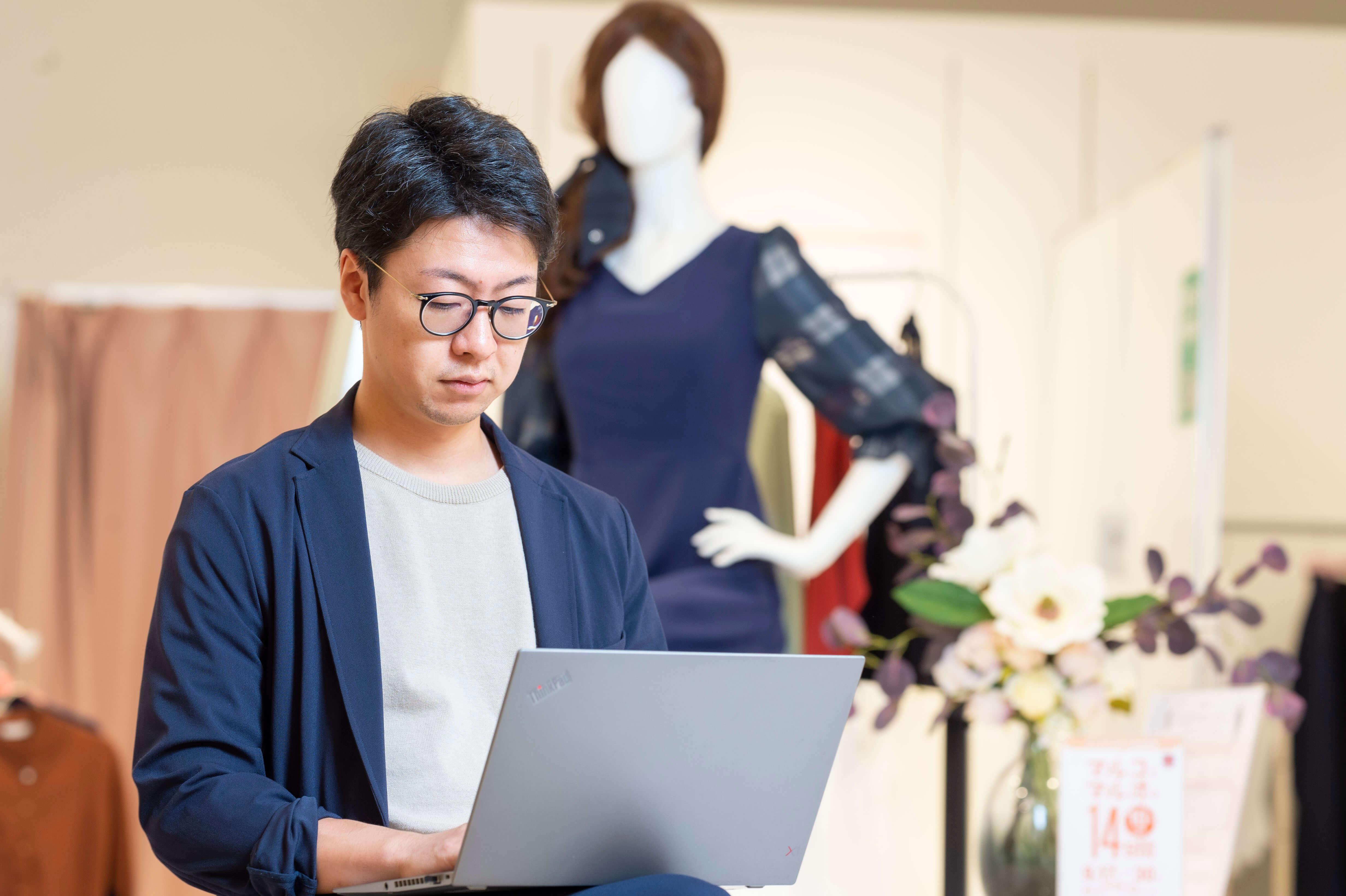 Webマーケター|ファッションD2CブランドのWebマーケをお任せします!のカバー写真