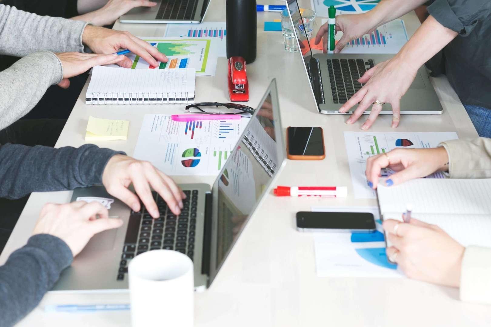 【オープンポジション幹部候補】タレントD2Cアパレル事業を牽引するコアメンバーのカバー写真