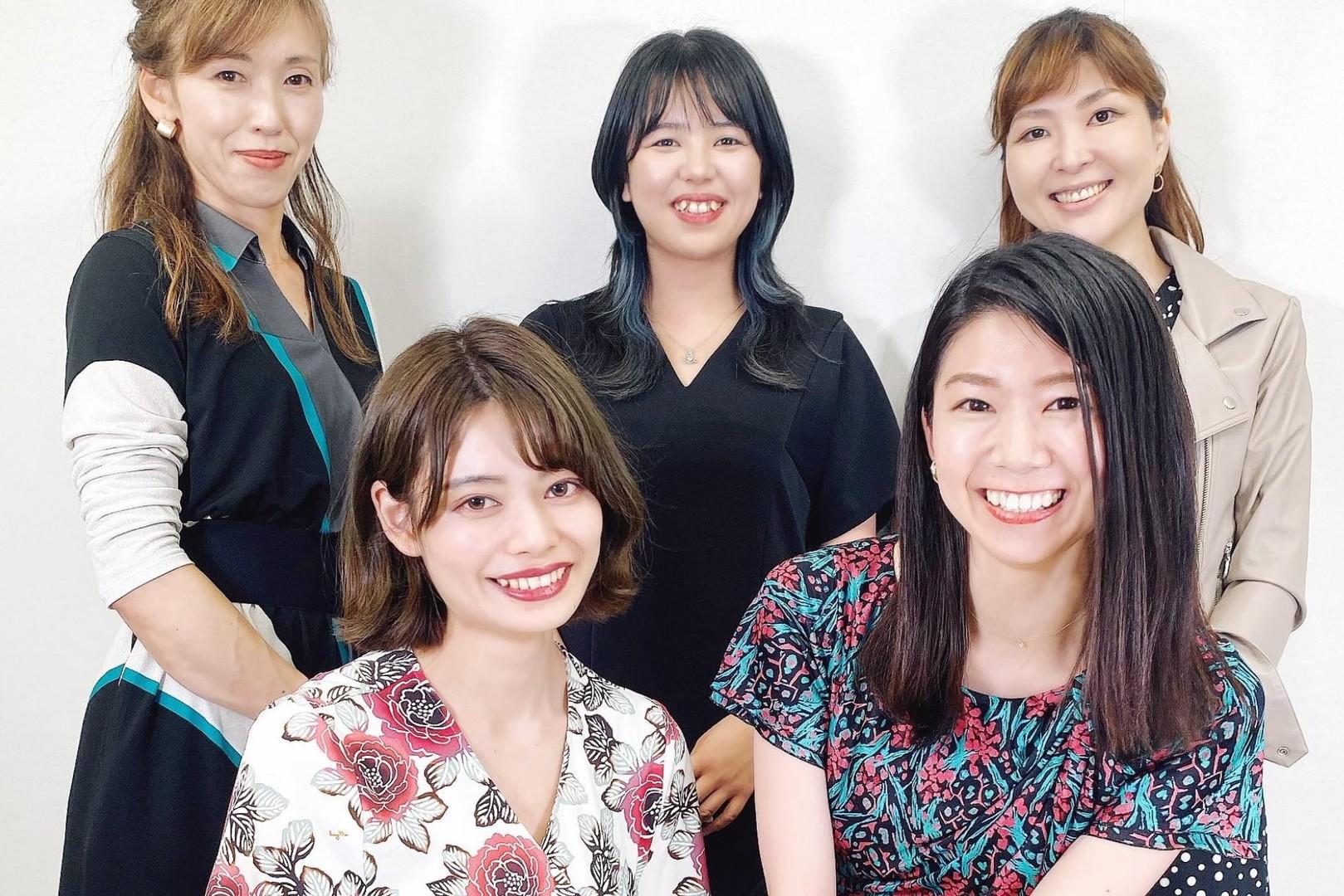 [東京9月OPEN新店舗]販売職/店長 インスタ マーケPR挑戦!D2Cアパレルのカバー写真