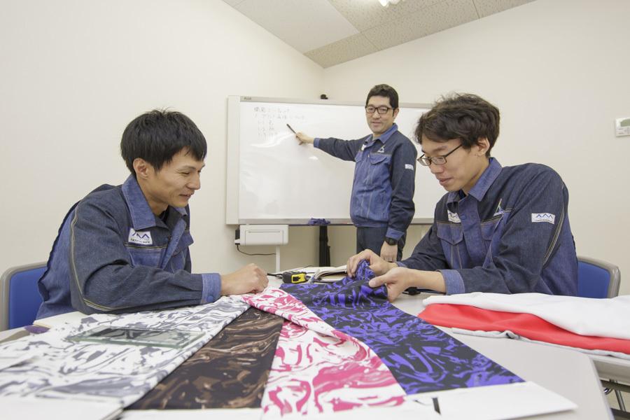 【営業】アパレル・繊維・ものづくりに興味のある方歓迎!|正社員|東京|富山のカバー写真