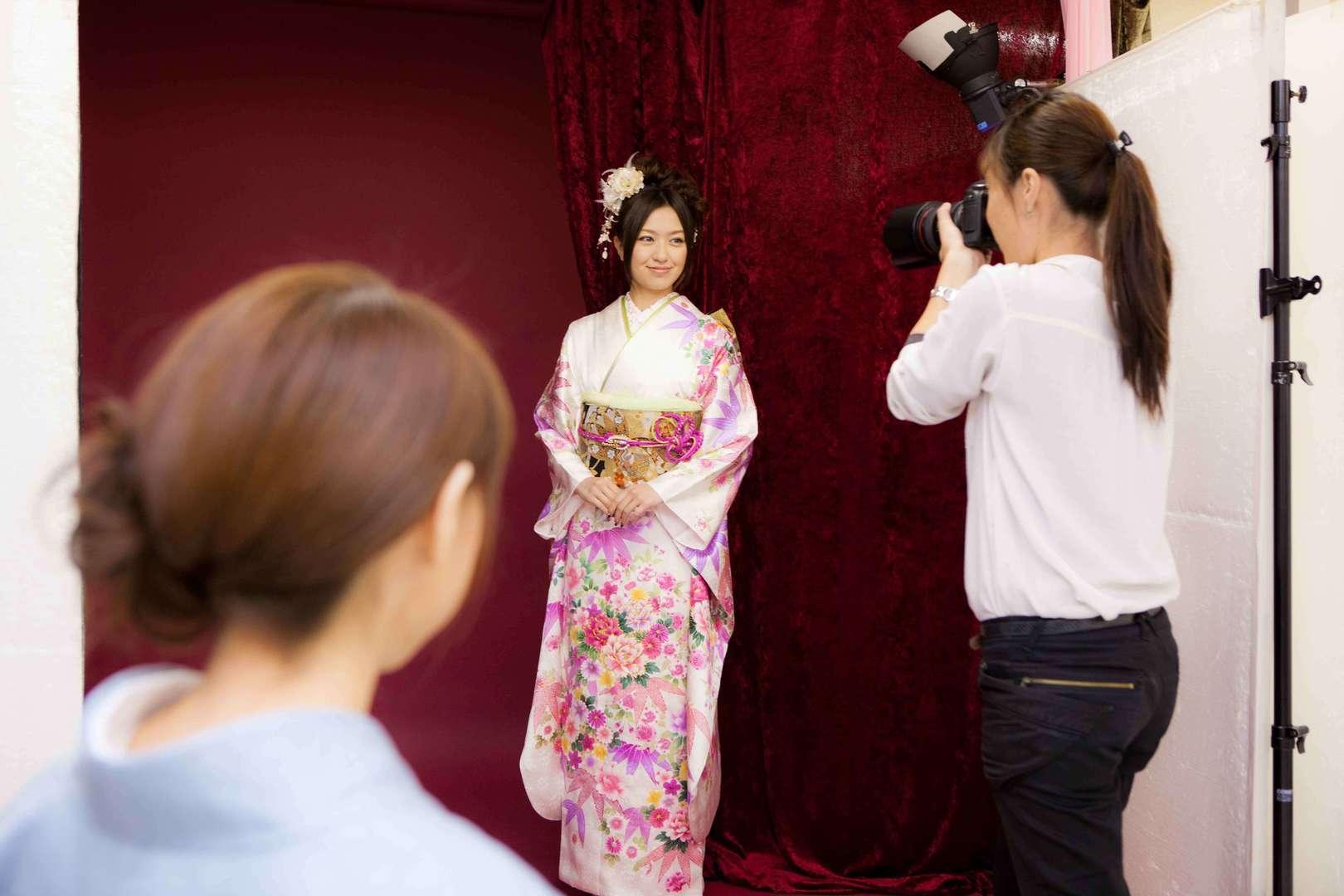 <学生OK>成人式撮影のカメラマンアシスタントを募集!!のカバー写真