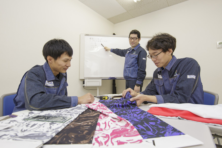 【開発営業】繊維・ものづくりに興味のある方歓迎!|正社員|未経験歓迎|富山のカバー写真