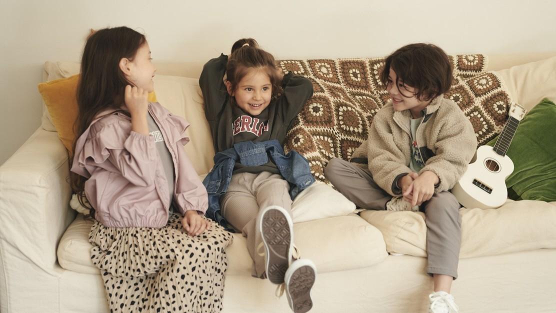 オリジナルアイテムの商品企画・服飾デザイナー<子ども服|devirock>のカバー写真